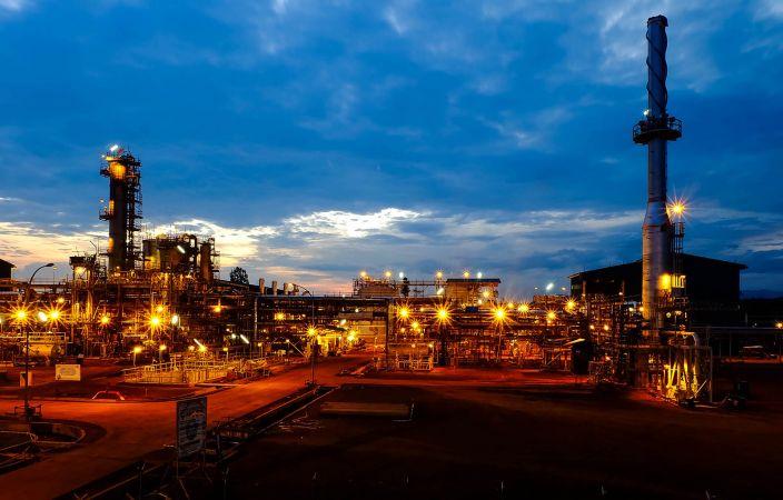 REFINERY OIL & GAS